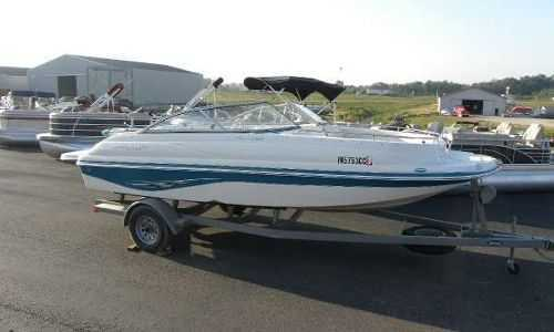 19-21 Ft Deck Boat - 150 HP